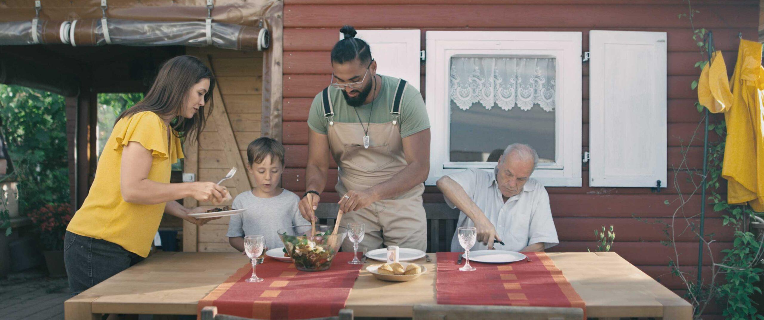 Pünt | garden community eating
