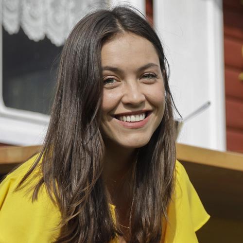 Pünt Cast | Sophia Sommer